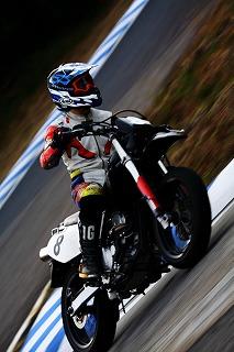 2010年11月28日 モタード耐久 チームB 西原2
