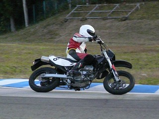 2010年11月28日 モタード耐久 チームB 吉岡2