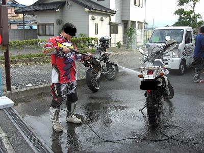 2008年6月25日 ツーリング後、洗車