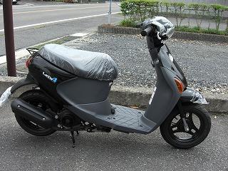 新車 スズキ レッツ4黒