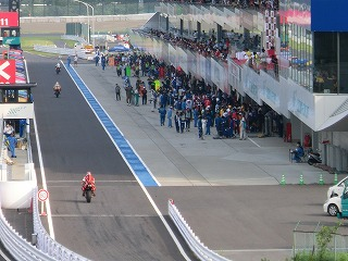 2011年 鈴鹿8耐 ピットロード