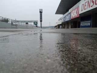 2012年5月9日 ニミモト練習走行 ピット雨